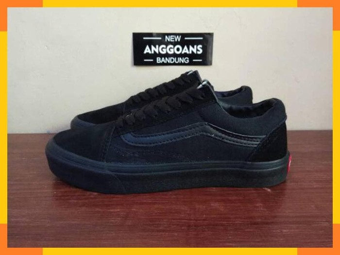 Jual Sepatu Vans Oldskool Full All Black Hitam Polos - Original ... 468e8d49ba