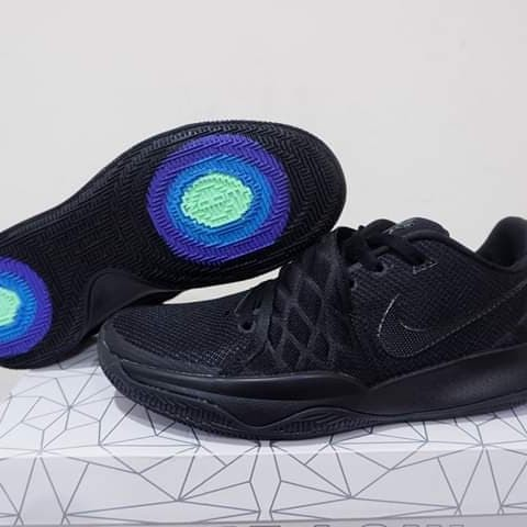 best sneakers 0016f 24fd2 Jual SEPATU BASKET KYRIE 4 LOW ALL BLACK - Kota Batam - Basketstore |  Tokopedia