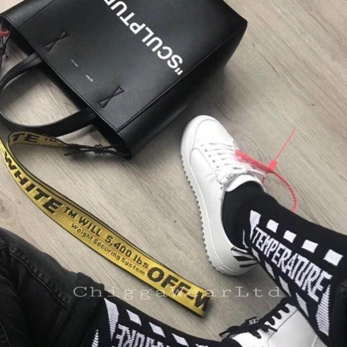 Foto Produk Offwhite Socks Temperature - Hitam dari ChiggawearLtd