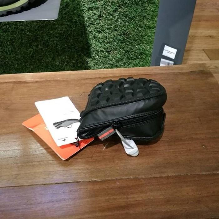 Jual Sepatu Eiger Flexion Folding Shoes Grey Abu 91000 3748 Cowok ... 45d861c87c