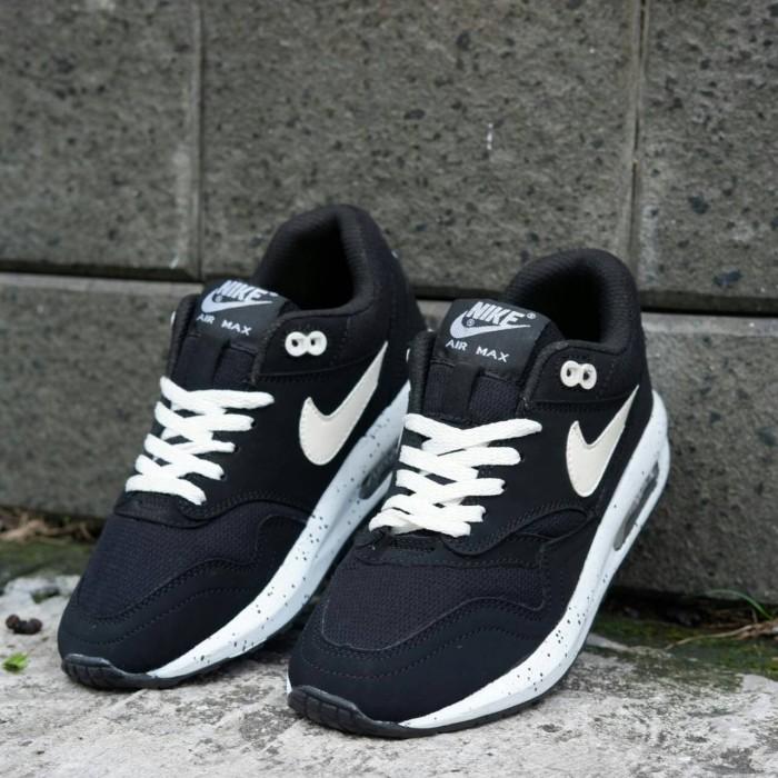 65d80cc538 Jual Sepatu Nike Air Max Lunar Running Untuk Cewek-cewek Grade Ori ...