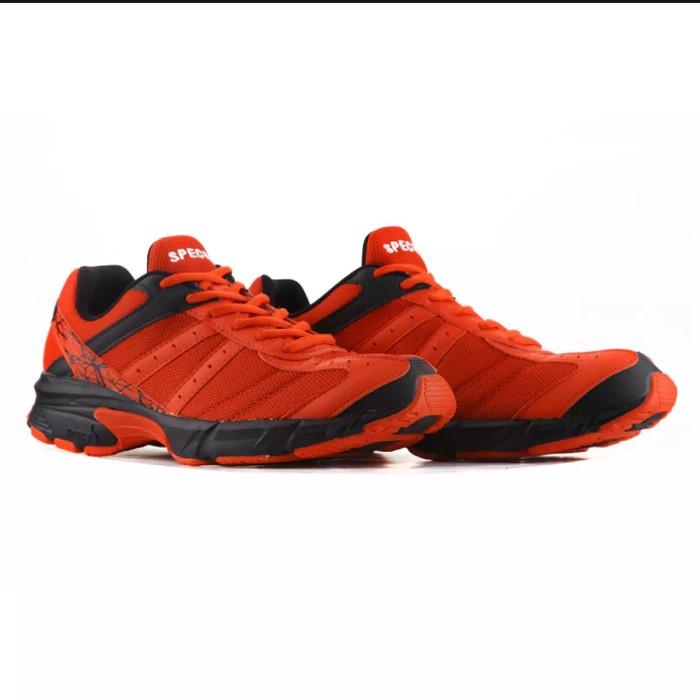 Specs Sepatu running 200410 VINSON MASSIF Merah-hitam