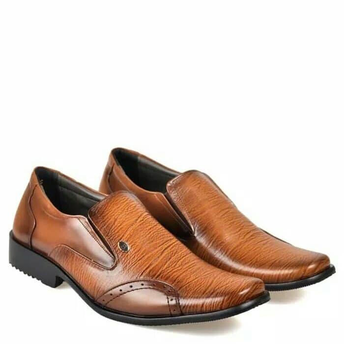 Foto Produk sepatu - Merah dari azzahrafc