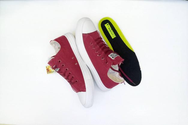 ... harga Sepatu all star converse chuck taylor lunarlon merah maroon murah  Tokopedia.com 858e58b597