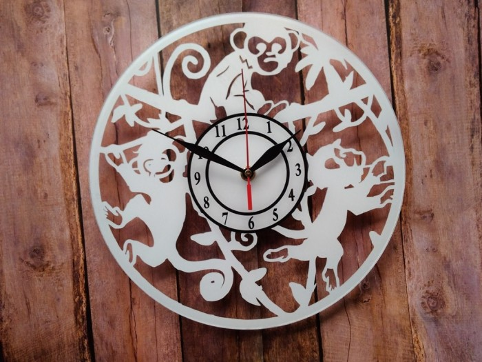 Jual Jam Dinding Akrilik Desain Monyet Putih - Mburing Unik  59303db25a