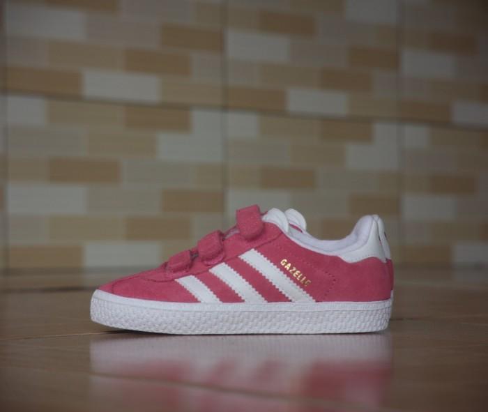 harga Adidas kids gazelle pink white original Tokopedia.com