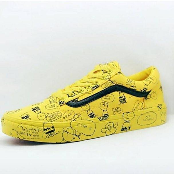 Vans old skool peanuts charlie brown premium original   sneakers 4a984bce2d