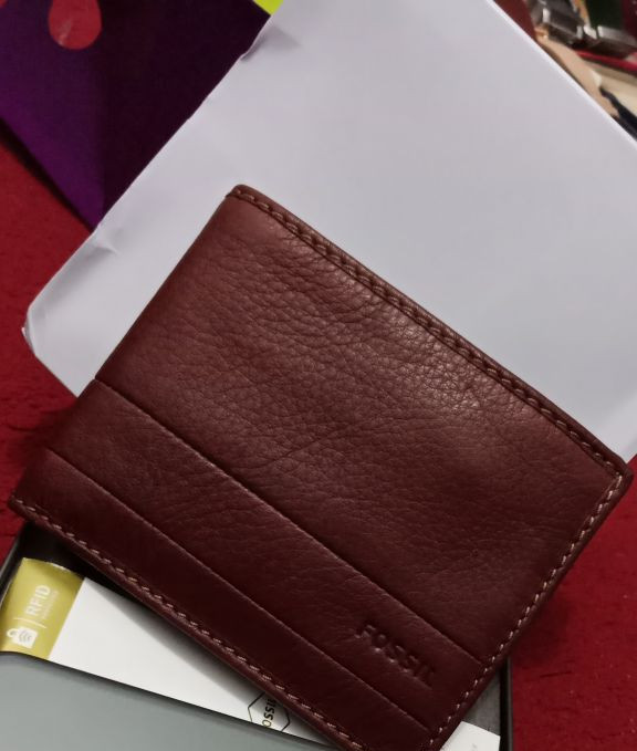 harga Dompet fossil cowok luftkin brown no box Tokopedia.com