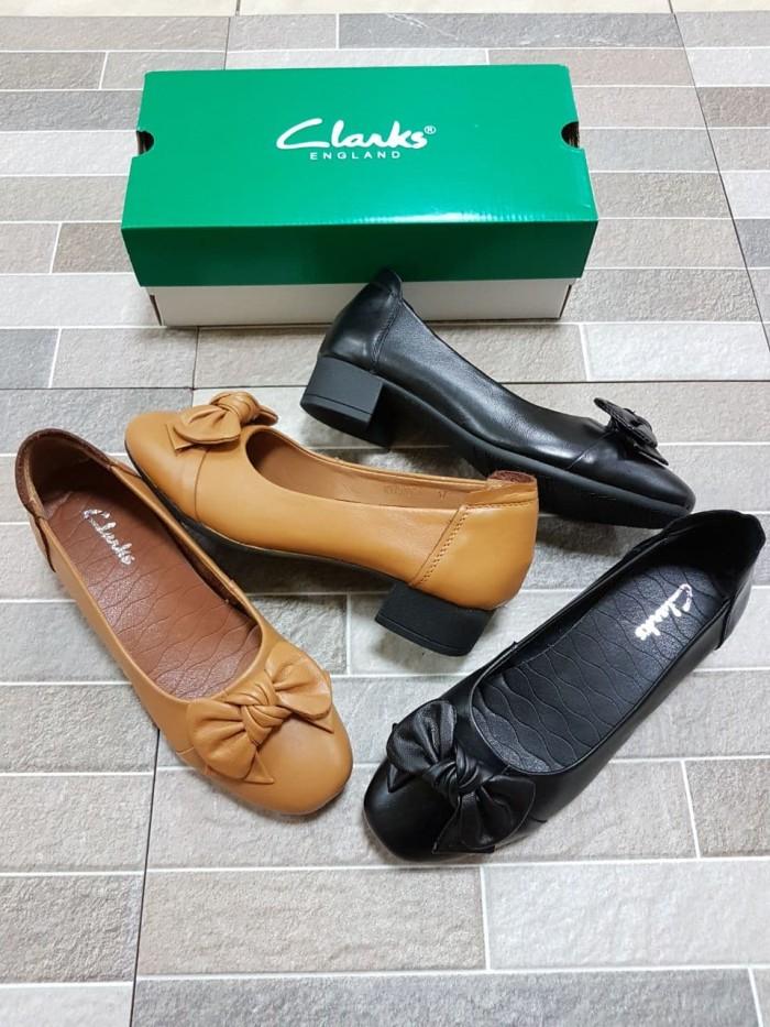 Jual sepatu clarks wanita cek harga di PriceArea.com c6afc81fb7