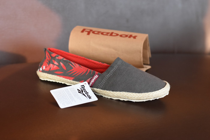 harga Sepatu reebok casual voila slop slip on santai tanpa tali - rs 03  Tokopedia. d9dd80c579