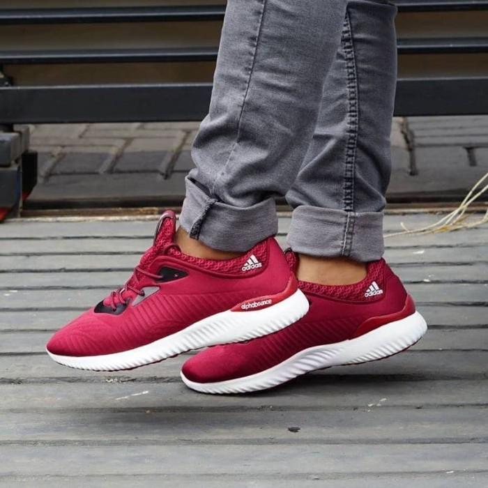 811e43eba1dbc harga Adidas Alphabounce Merah   Pria Wanita   Sepatu Sneakers Running Lari  Blanja.com