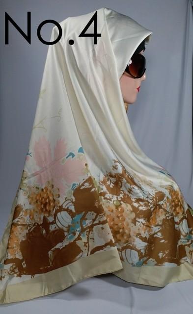 Jilbab / hijab / kerudung segi empat satin motif bunga abstrak turkiz