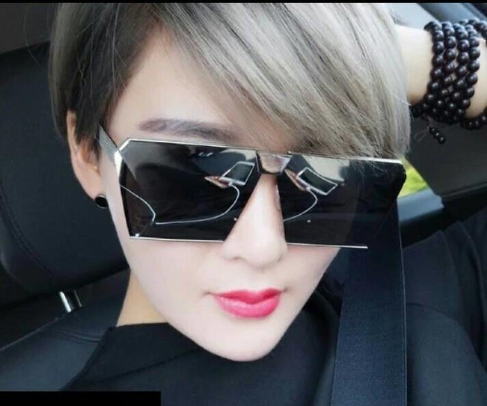 harga Kacamata gaya wanita hitam artis fashion style korea syahrini mewah Tokopedia.com