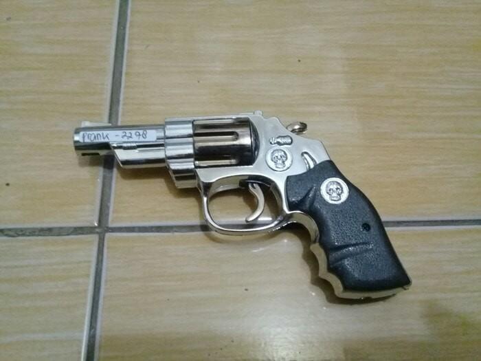 harga Pembakaran unik korek api model revolver setrum jahil termurah. Tokopedia.com