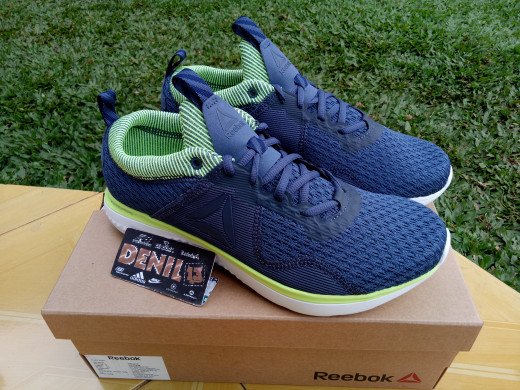harga Original 100% sepatu running reebok men astroride run fire bs5138 Tokopedia.com