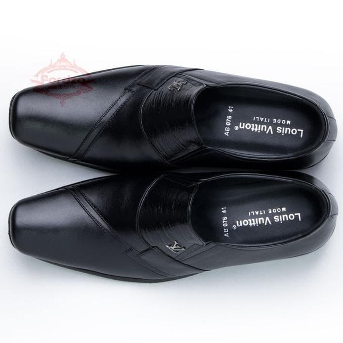 Jual Sepatu Pria Pantofel Formal Sepatu Kerja Kulit Asli Model LV ... 88149ed671