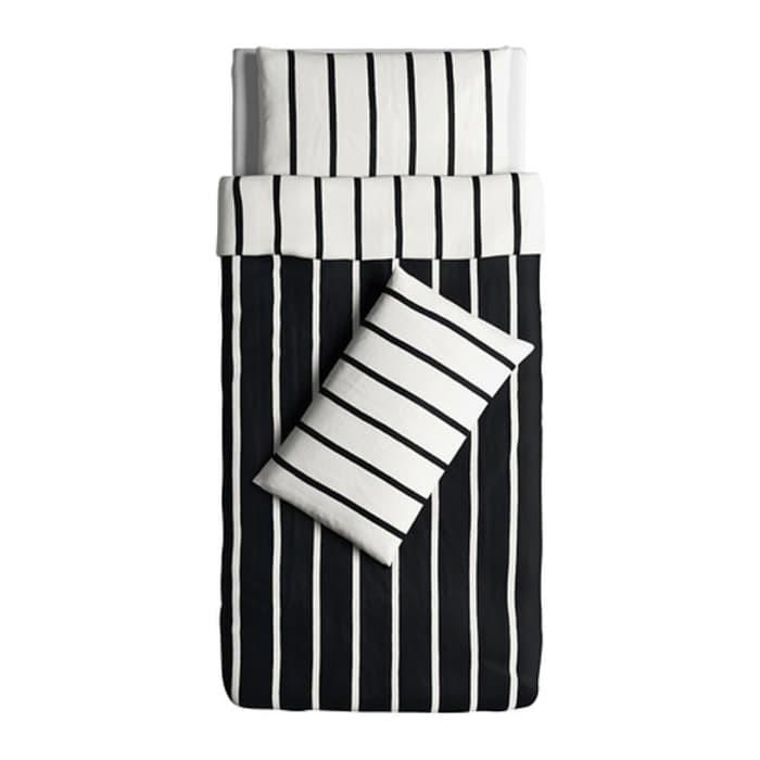 IKEA TUVBRACKA Sarung quilt 150x200 cm, 2 sarung bantal, hitam putih