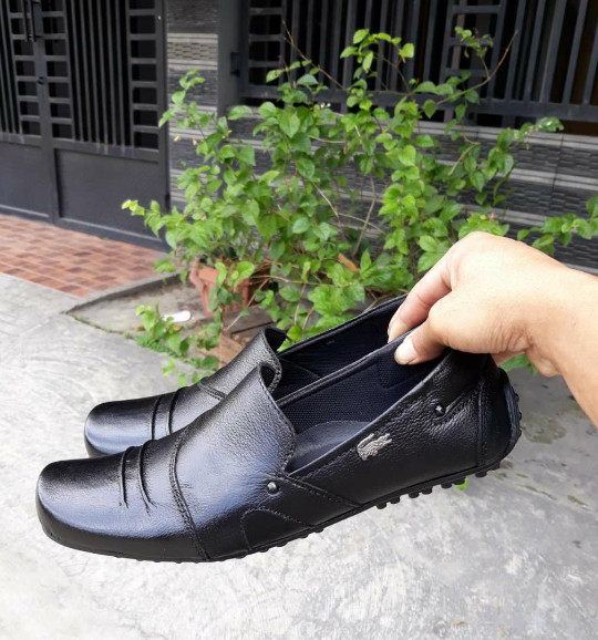 Sepatu Pantofel Lacoste Kulit Asli Sepatu Slip On Lacoste Sepatu Santa 2cd3f9979f