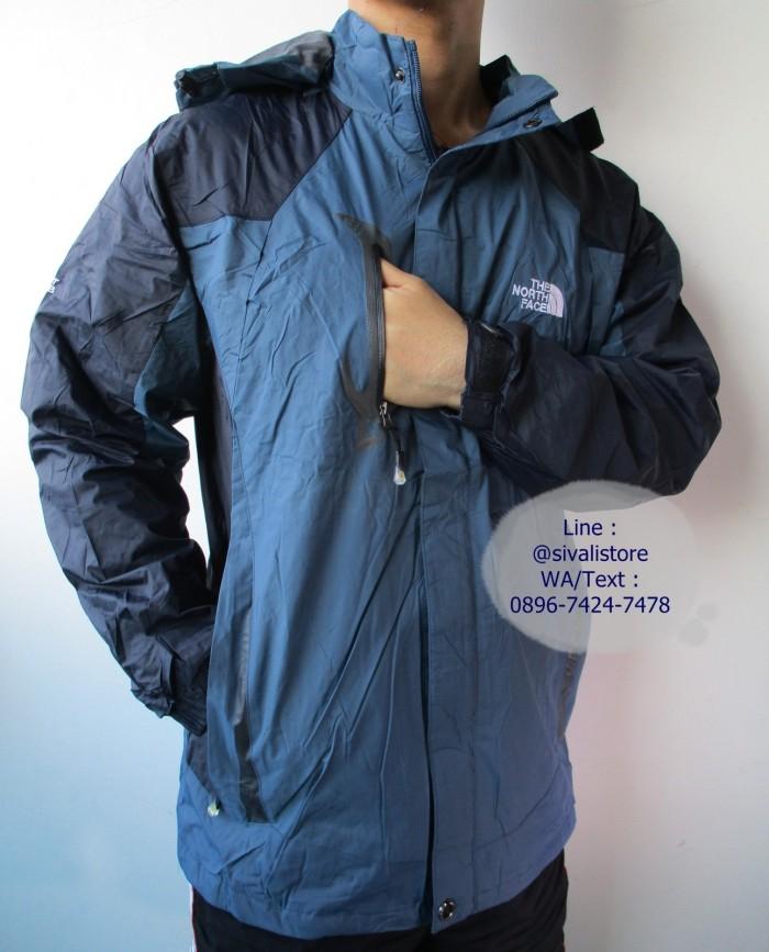 harga Jaket gunung / training / motor the north face 1618 summit series Tokopedia.com