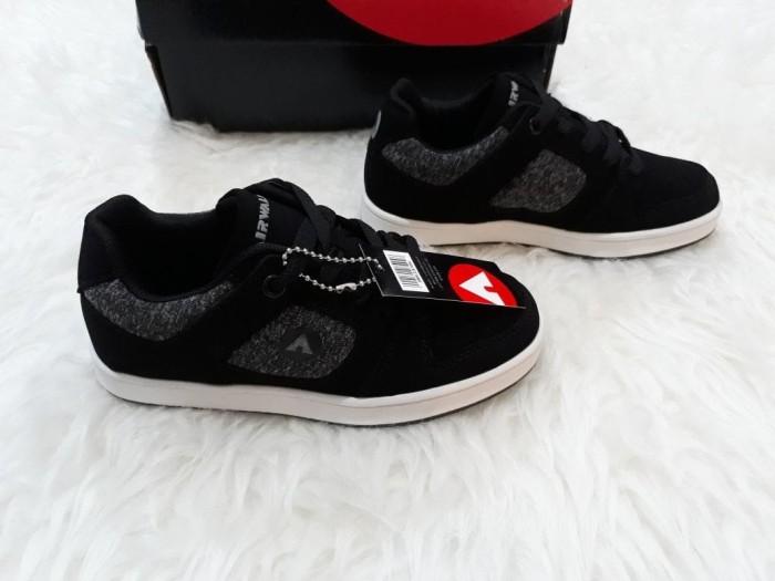 harga Sepatu anak laki-laki : airwalk ori jadrien jr black Tokopedia.com