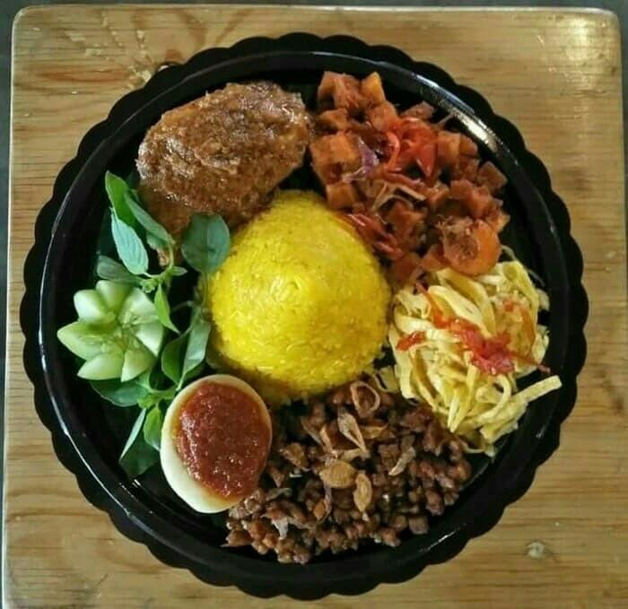 Jual Nasi Tumpeng Nasi Tumpeng Mini Nasi Kuning Paket Ulang Tahun Jakarta Pusat Kokoh Erza Store Tokopedia