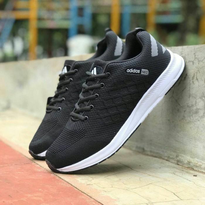 Jual sepatu sneakers casual running adidas neo hitam putih Man cowok ... ef579286d