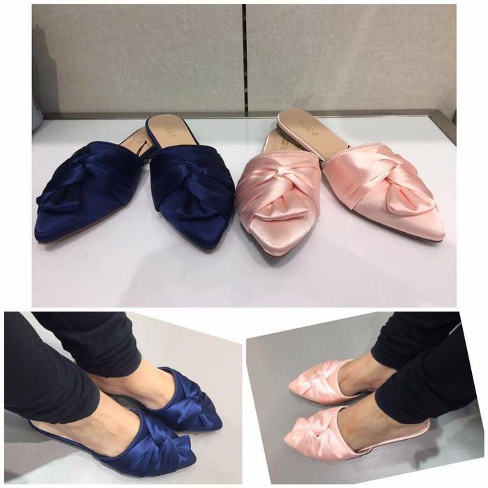 ... harga Sandal selop satin vincci ori murah   sale vnc flat sandal  original Tokopedia.com dd3682ec42
