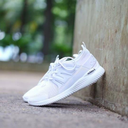 Harga Terbaru Sepatu Adidas Tubular   Wanita Cewe   Olahraga Voli ... 52638b219d
