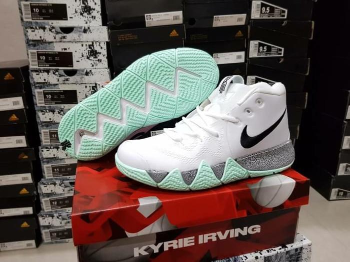 sepatu basket wanita nike original