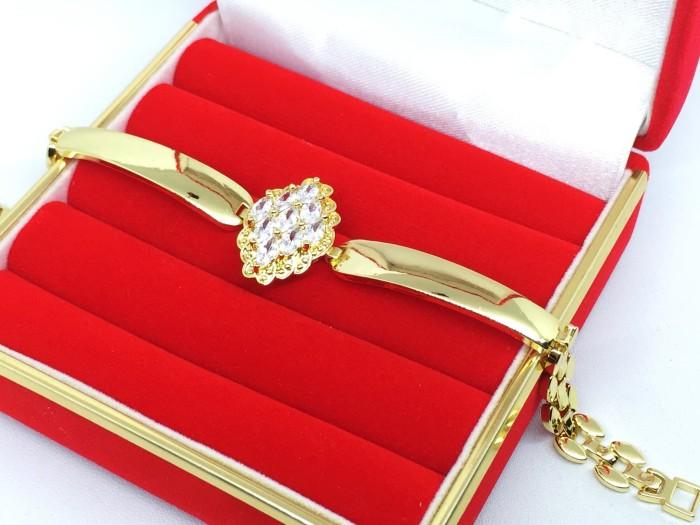 harga Gelang lapis emas 18k xuping gold rantai tebal batu bulu merak - bb067 Tokopedia.com