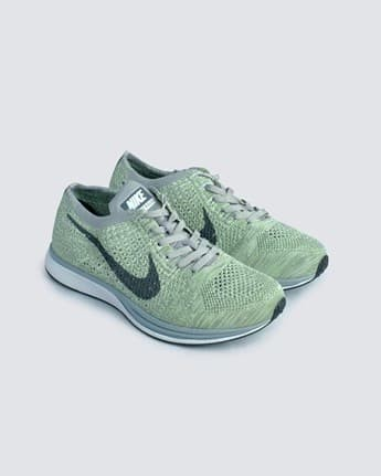 a2a43a858902 Sepatu Sneakers Nike Flyknit Racer Macaroon Pack Pistachio Ghost Green -  Hitam