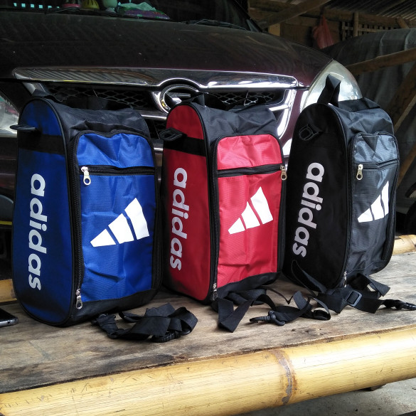 Tas Sepatu Olahraga Futsal -Monopoly Shoes Pouch Travel Versi 2 FLOWER. Source · harga Tas sepatu bola tas sepatu futsal tas jinjing slempang termurah laris ...