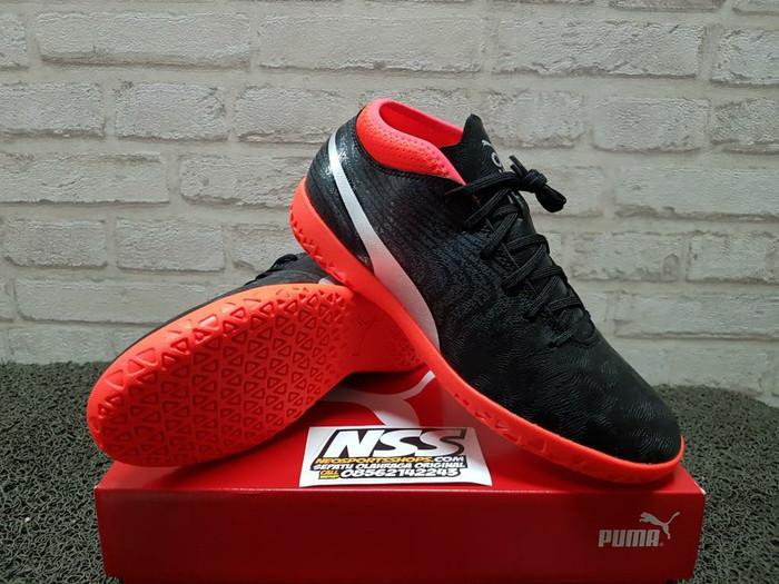 5b2e1e90dc3 Jual Sepatu futsal Puma One 18.4 IT 104558-01 Original - Kota ...