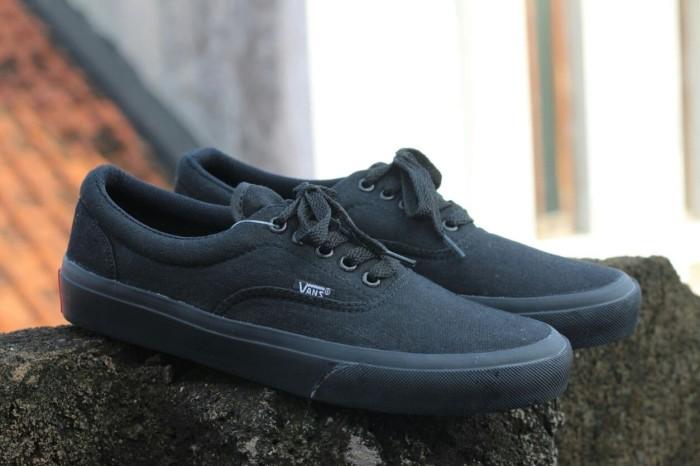 harga Sepatu wanita sneaker vans era classic Tokopedia.com
