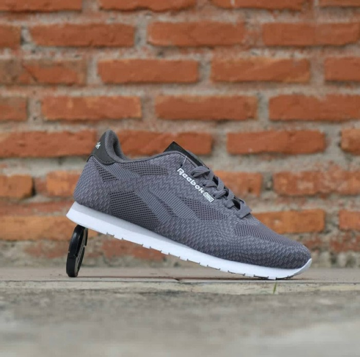 ... harga Reebok classic import / sepatu pria / sneakers / cowo / kets / casual Tokopedia