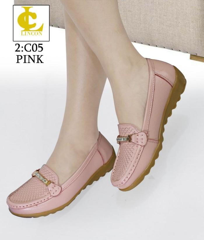 harga Sepatu merek lincon seri: c05 Tokopedia.com