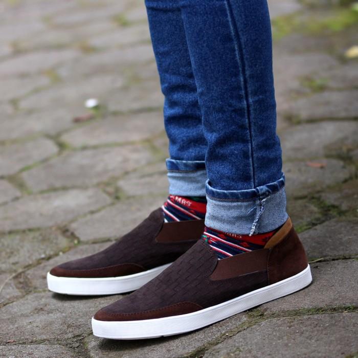 harga Sepatu pria slip on sneakers casual ii /vans/converse/adidas/nike Tokopedia.com