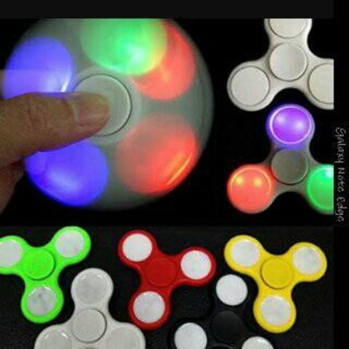 #Mainan & Hobi spinner lampu fidget hand spiner led putar nyala KEREN