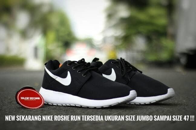 4812a97bd0190 Jual Promo Sepatu Running Nike Roshe Run Hitam Putih Berkualitas ...