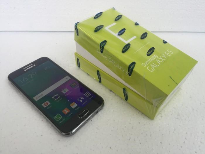 Jual Samsung E5 Bekas Fullset Lengkap Dan Mulus Bigbig Tokopedia