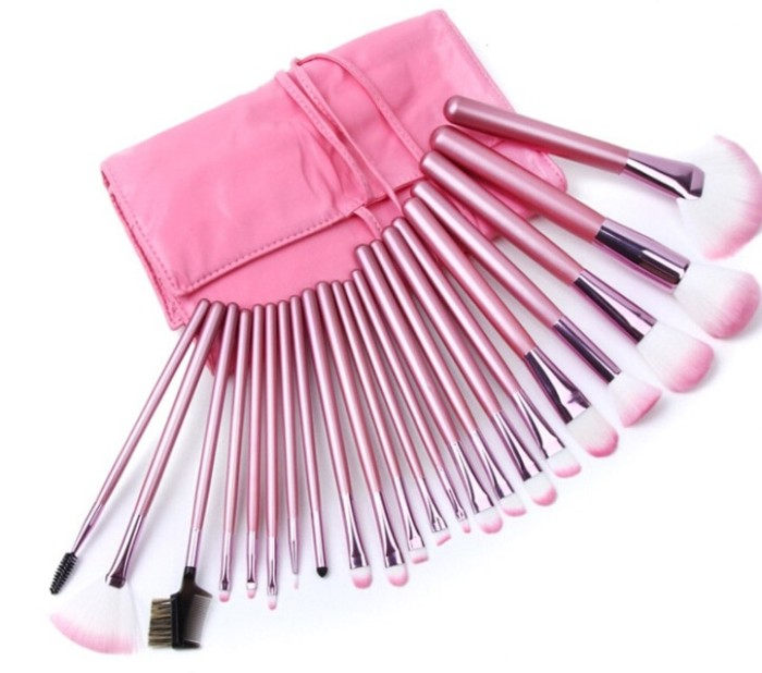 Makeup brush set 22 pcs / kuas make up dengan pink leather pouch