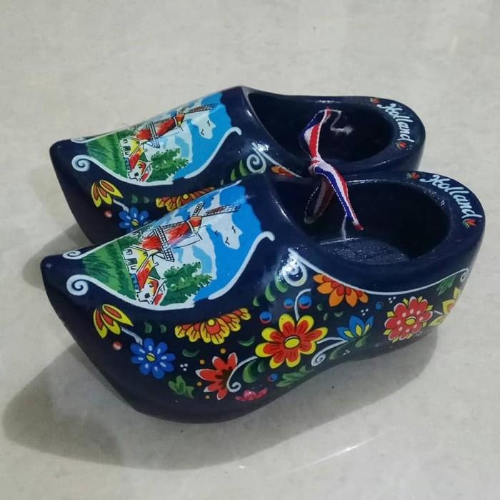harga Miniatur klompen / sepatu belanda besar biru tua Tokopedia.com