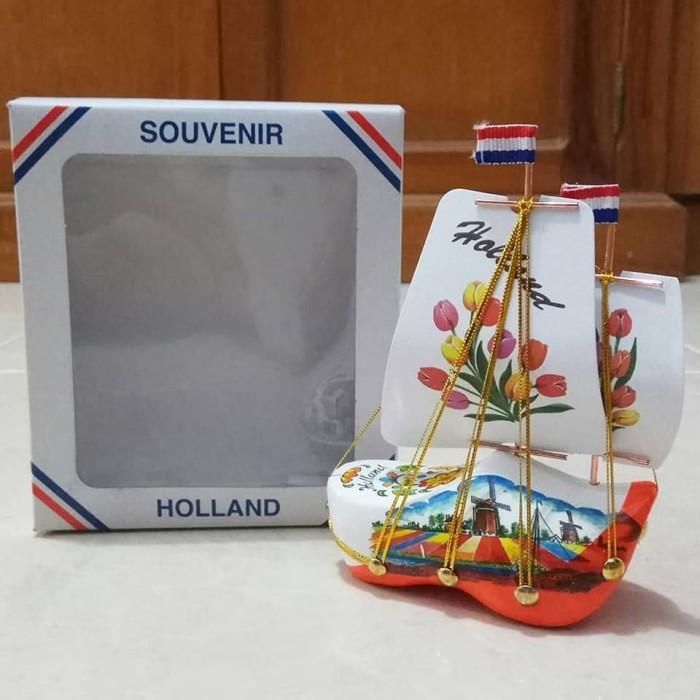 harga Miniatur klompen perahu putih-orange Tokopedia.com