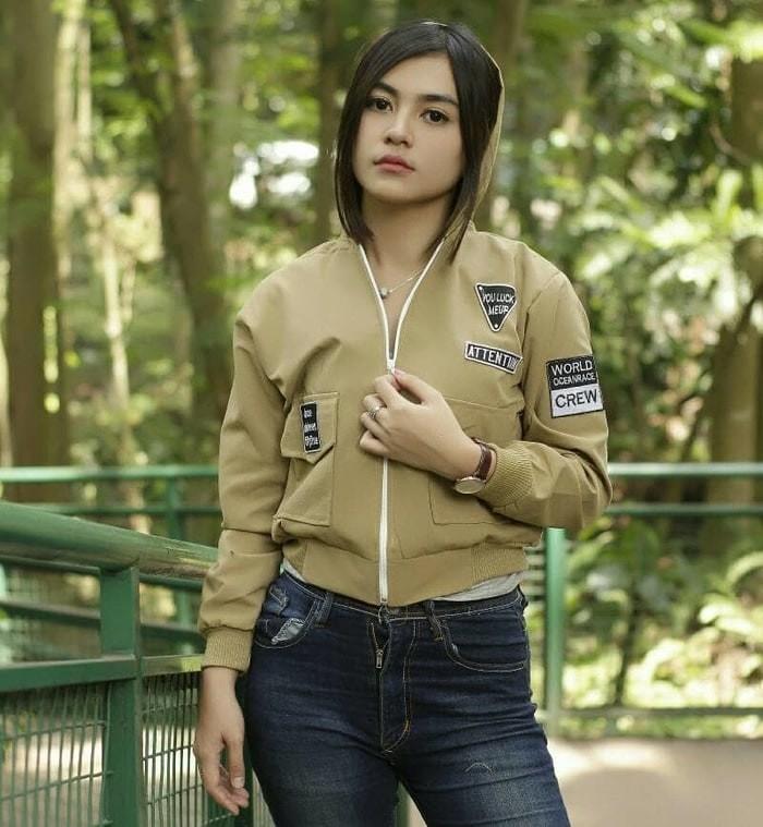 Jual Jaket Bomber Wanita Attention Mocca  bbf90e4895