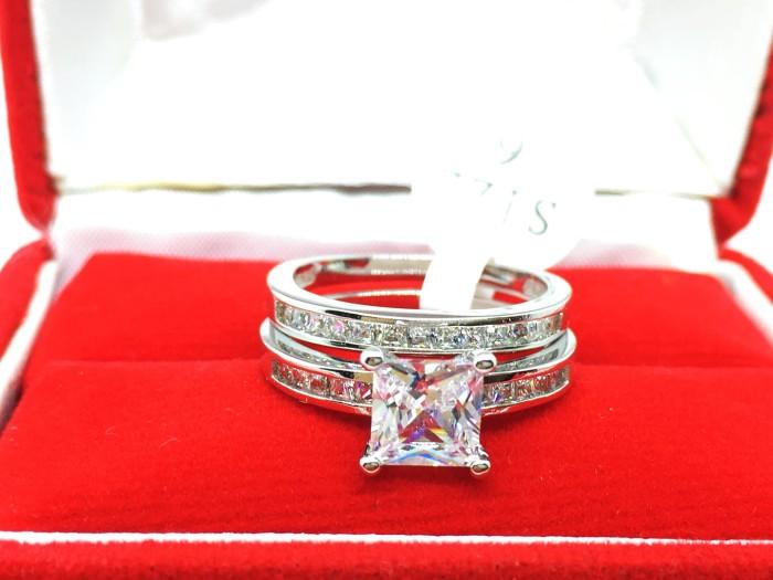 harga Set cincin 2 pcs lapis emas putih silver batu kotak berlian cz - br245 Tokopedia.com