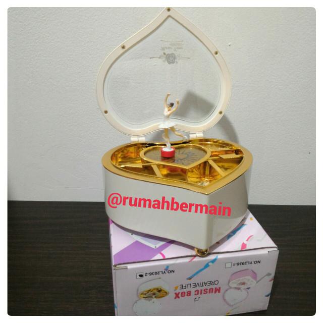 Kotak Musik Love Putih Ballerina Music Box Kado Ultah Hadiah Valentine