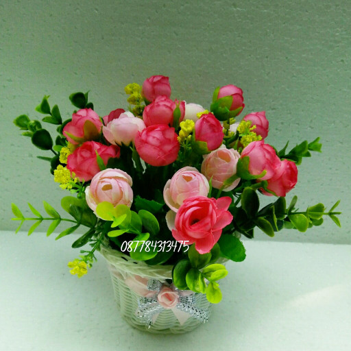 harga Buket bunga artificial dan vas kranjang/shaby chic Tokopedia.com