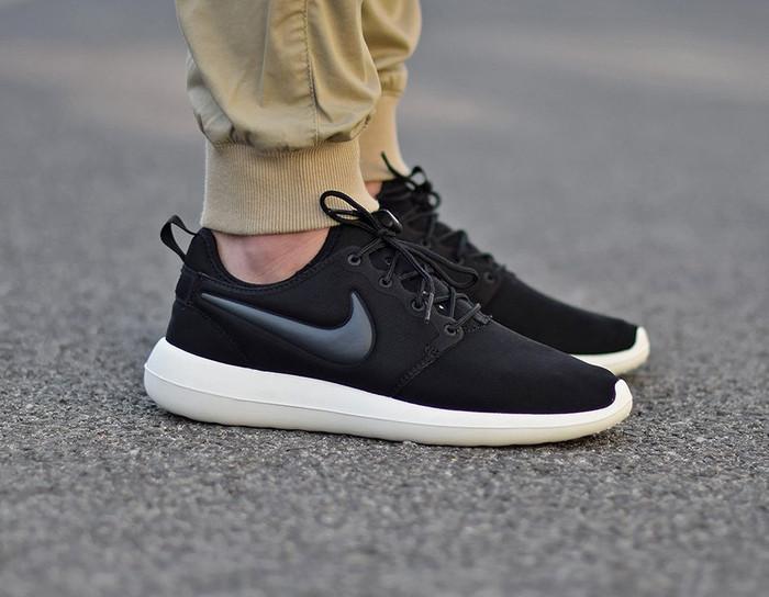 reputable site 3267f 10a75 Jual Sepatu Nike Roshe Two black white sailt Premium / Running Shoes -  Jakarta Selatan - Dryshoes   Tokopedia