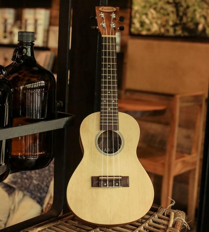 harga Ukulele makoa premium concerto free tas ukulele , pick , senar ukulele Tokopedia.com