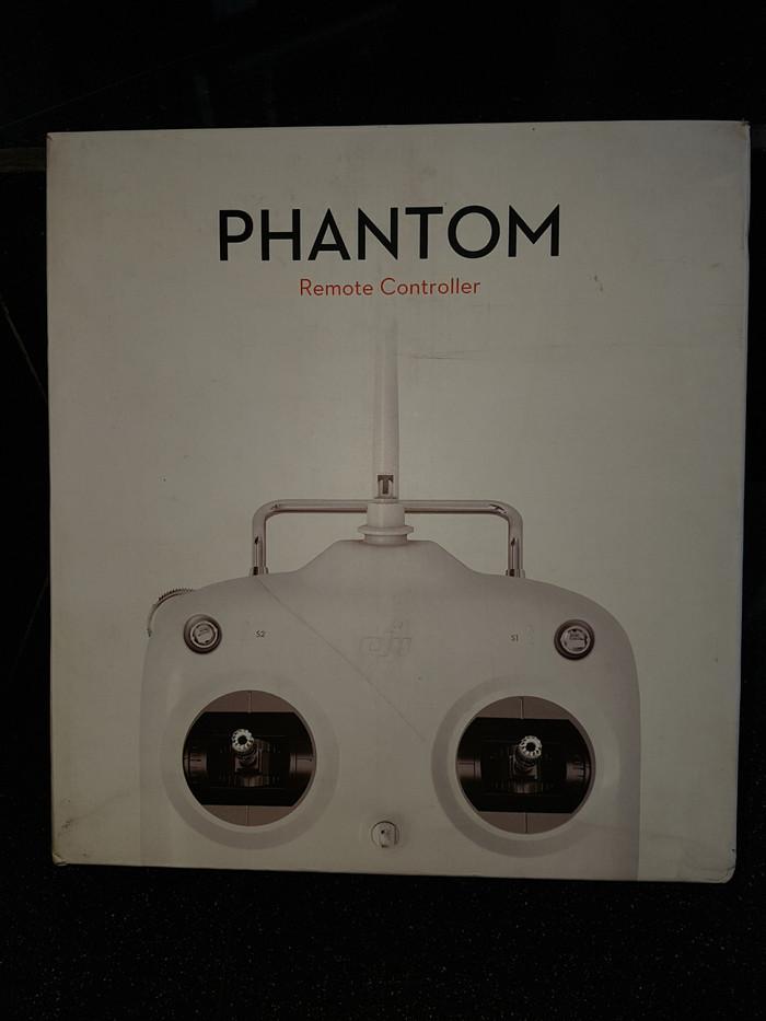 Foto Produk Remote Drone DJI Phantom. Antenna Standart dari UAV